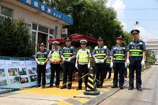 每天巡查220公里 跟随高速路政执法实录