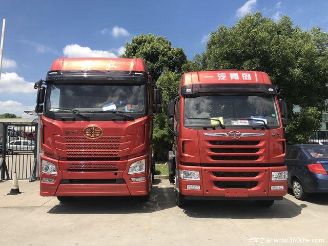 沙场点兵 上海中集物流园里囤积了大批港口牵引车