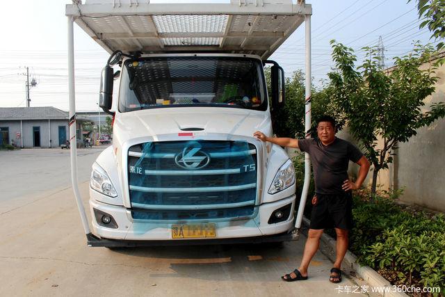 卡车司机工作纪实:只要想到家人,再辛苦也能开怀大笑!