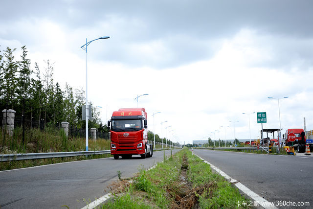 亲眼见证卡车诞生,现场试驾最新车型 卡友组团参观青汽卡车工厂